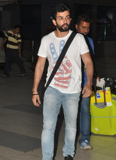 Jay Bhanushali Spotted At Airport After Hate Story 2 Indore Promotion