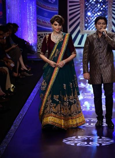 Bipasha Wore A Creation By Designer Neeta Lulla During The Show Of IIJW