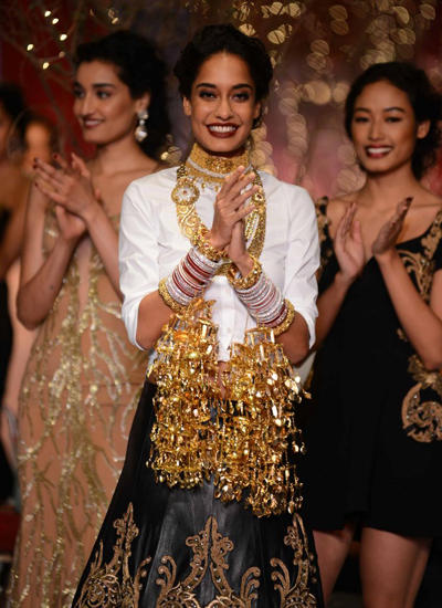 Lisa Haydon Bridal Look At ICW 2014 Ramp Show On Day 3