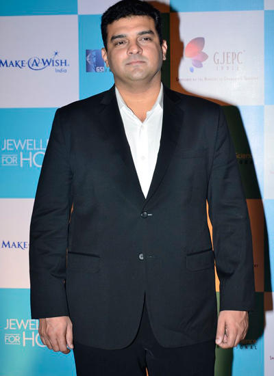 Siddharth Roy Kapur Nice Look Posed At GJEPC Awards 2014