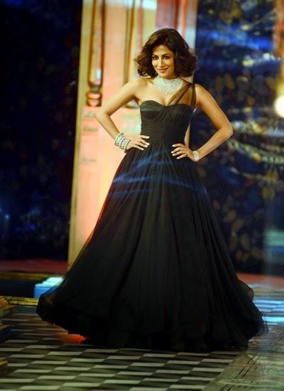 Chitrangada Singh Does A Marilyn Monroe On The Ramp Of ICW 2014