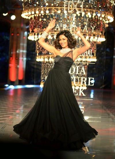 Chitrangada Singh Turns Marilyn Monroe On Ramp At ICW 2014
