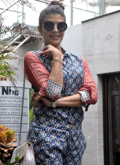 Jacqueline Fernandez Snapped At Mumbai For Promote Kick