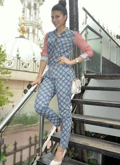 Sri Lankan Beauty Jacqueline Fernandez Was Spotted In Mumbai