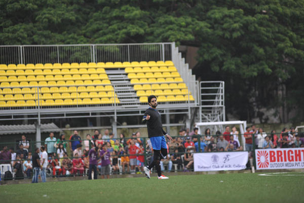 Abhishek Bachchan Pointed To The Camera During Ira Khan Organised Charity Football Match 2014