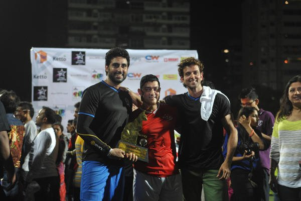 Abhishek,Aamir And Hrithik Posed With Trophy At Ira Khan Charity Football Match 2014