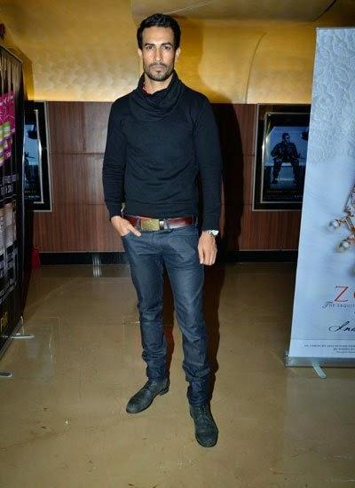 Asif Azim Dappers Look In Black Suit During Pizza 3D Special Screening Party Host By Parvathy Omanakuttan