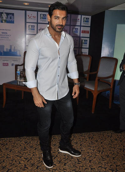 Handsome Hunk John Looked Absolutely Dapper At The Press Meet Of Mumbai Marathon
