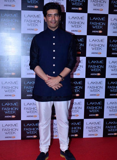 Manish Malhotra Posed In Red Carpet During LFW Winter/Festive 2014 Curtain Raiser