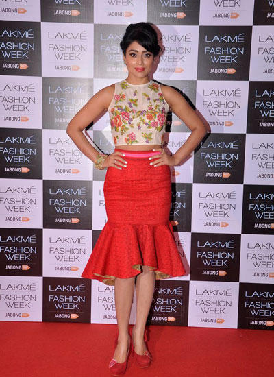 Shriya Saran In Short Floral Print Dress At LFW Winter/Festive 2014 Curtain Raiser