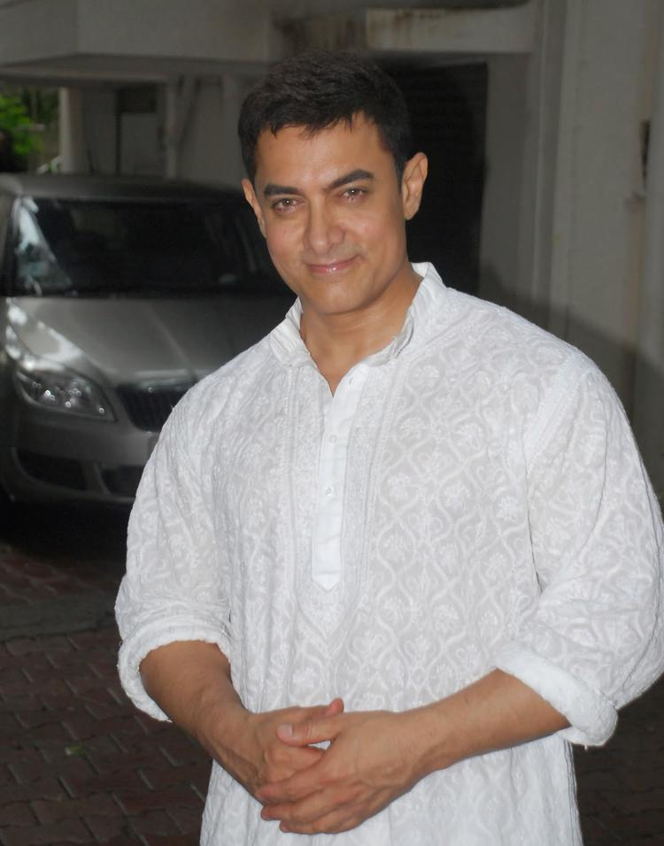 Aamir Khan Smiling Pose At His Residence On The Occasion Of Eid Ul Fitr