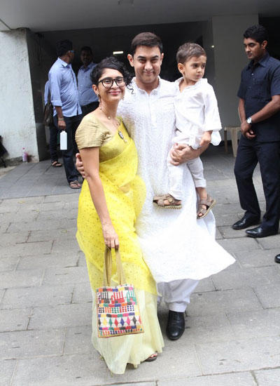 Aamir Smiling Pose With His Wife Kiran And Son Azad On The Occasion Of Eid