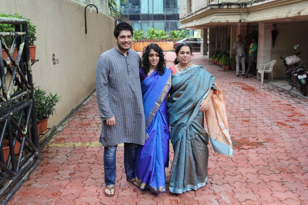 Reena With Son Junaid And Daughter Ira Celebrate Eid At Aamir Khan Residence