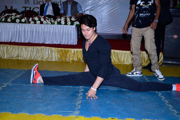 Tiger Shroff Perform Some Essential Moves To Prove His Worthiness
