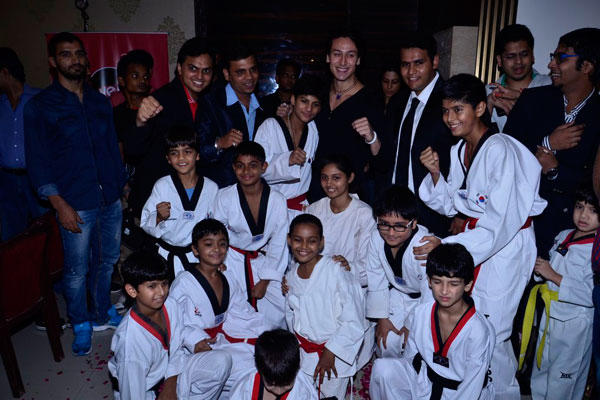 Tiger Shroff Posed With Kids During The Award Function At Kukkiwon World Taekwondo Headquarters
