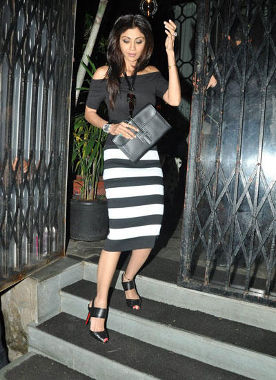 Shilpa Shetty Stylish Look Spotted Coming Out Of Nido Restaurant
