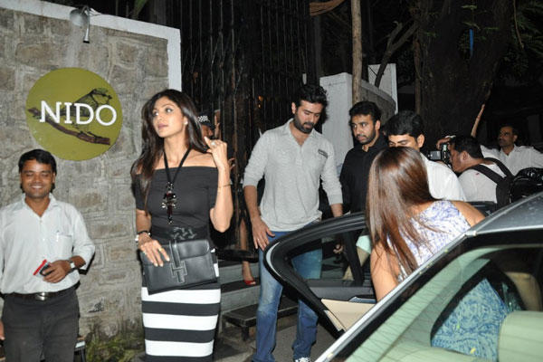 Shilpa Shetty,Harman Baweja And Raj Kundra Spotted Outside Of Nido Restaurant In Mumbai