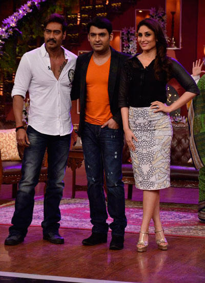 Ajay,Kapil And Kareena Posed During The Promotion Of Singham Returns On The Sets Of CNWK