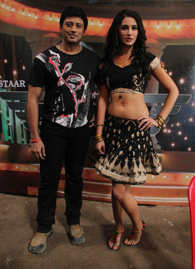 Nargis Fakhri And Prashanth Spotted At The Press Meet Of Sahasam Movie Song