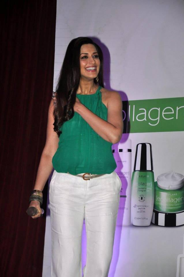 Sonali Bendre Snapped At Oriflame Ecollagen Range Launch Event
