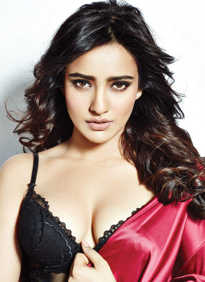 Neha Sharma Smoky Eyes Spicy Look Pose Photo On Hip Men's Magazine