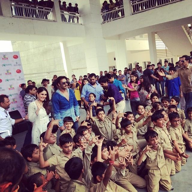 Singham 2 In Ahmedabad Ajay Devgan And Kareena Kapoor At Divine School