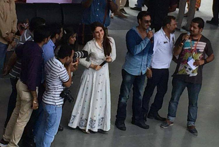 Singham Returns Star Kareena And Ajay Promote Their Upcoming Flick In Ahmedabad