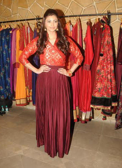 Daisy Shah Attend Hue's Winter Festive Collection Preview