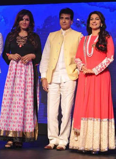 Juhi And Raveena Pose With Veteran Actor Jeetendra During The Launch Of Sony Pal