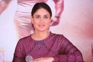 Kareena Interact With Media At Bangalore Pressmeet For Singham Returns