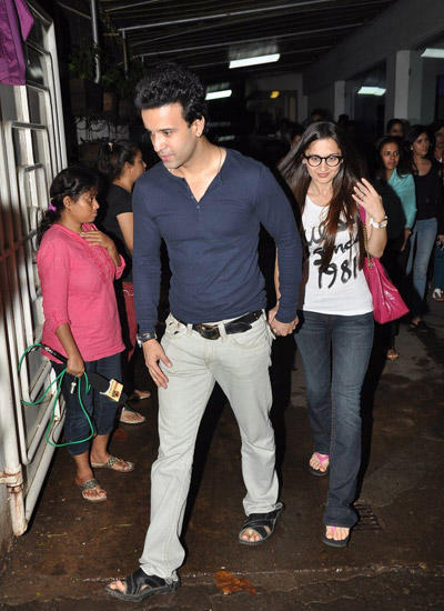Aamir Ali With Wife Sanjeeda Sheikh Attend The Screening Of Entertainment