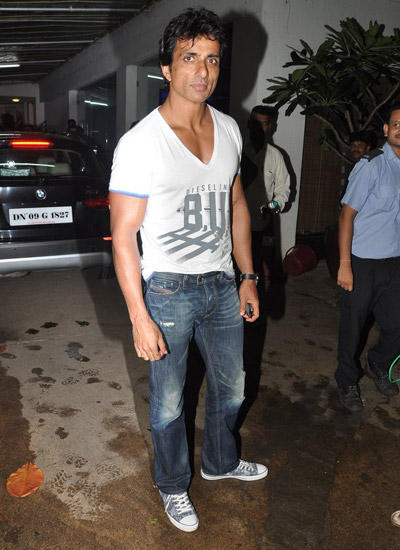 Sonu Sood Hot Look At The Special Screening Of Bollywood Movie Entertainment