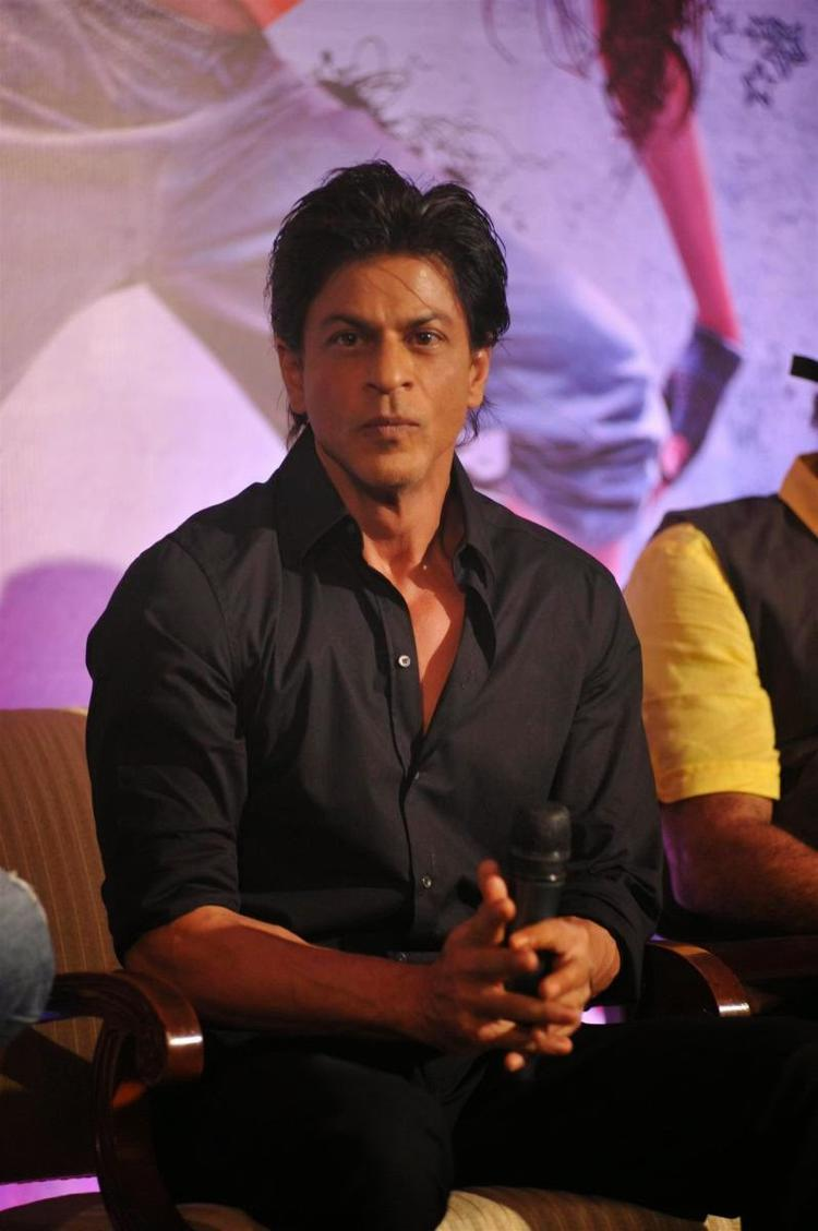 SRK Celebrates The App Launch With Some Music, Some Dance And A Lot Of Madness