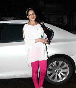 Pregnant Genelia With A Baby Bump
