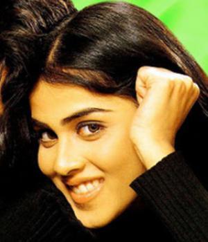 Tujhe Meri Kasam Hindi Bollywood Movie Genelia Cute Still