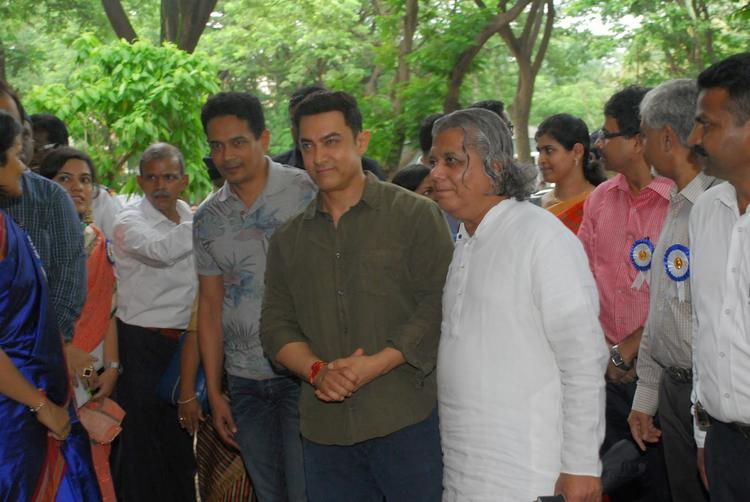 Chief Donor  Aamir Khan Attend The Launch Of My Marathi Book