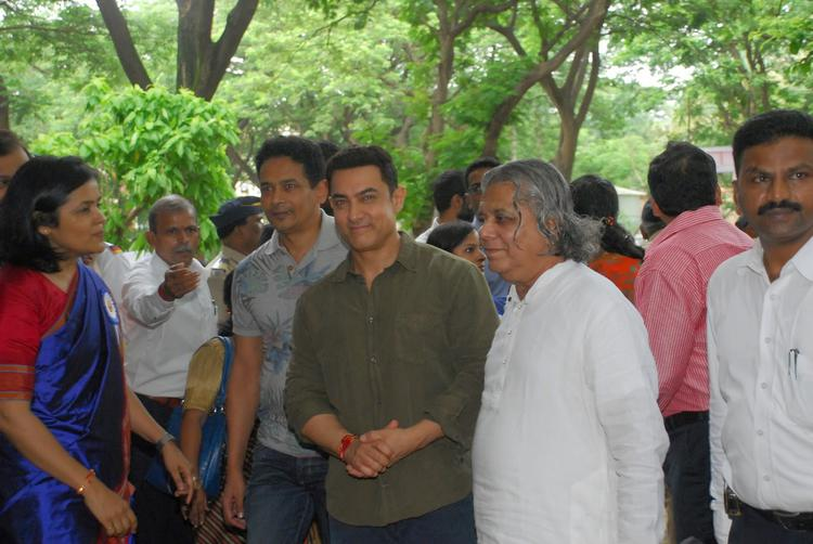 The PK Actor Launched The Communicative Book At Mumbai University