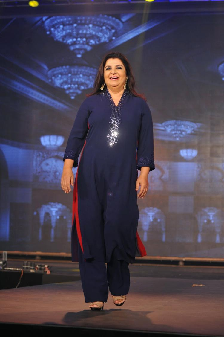 Farah Khan Smiling Look On Ramp At Happy New Year Movie Trailer Launch Event