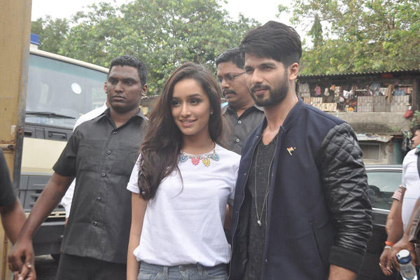 Both Stars Seemed To Be Pretty Comfortable With Each Other During Haider Promotion