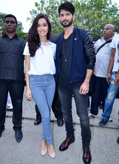Shahid And Shraddha Make A Sizzling Chemistry During Haider Promotion
