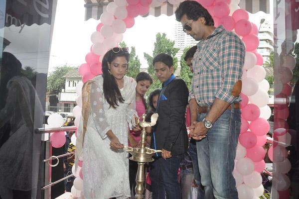 Richa Chadda And Nikhil Dwivedi Lights The Candle At Tamanchey Movie Promotion In Malad