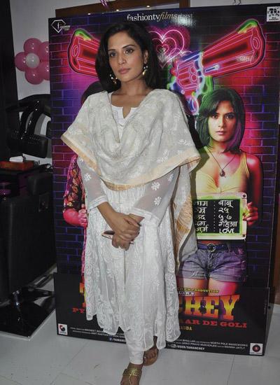 Richa Chadda In Salwar Cool Look At The Promotion Of Tamanchey