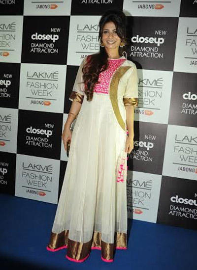 Tanisha Mukherjee Clicked On Day 2 Of The Ongoing LFW Winter/Festive 2014