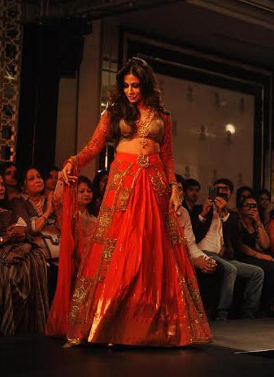Chitrangada Singh Showstopper For Designer Harshita Chatterjee At LFW Winter/Festive 2014