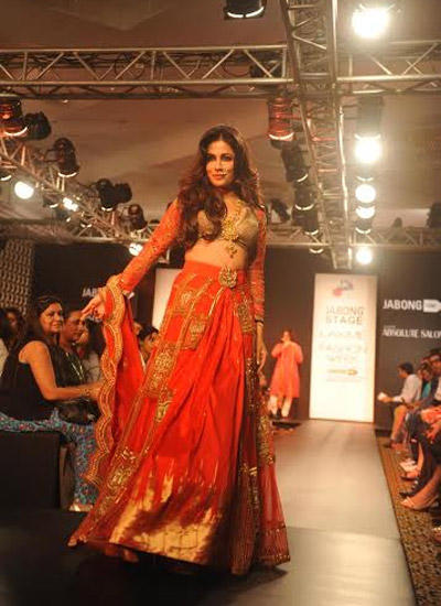 Chitrangada Singh Walking Down The Ramp For Harshita Chatterjee Deshmukh At LFW Winter/Festive 2014