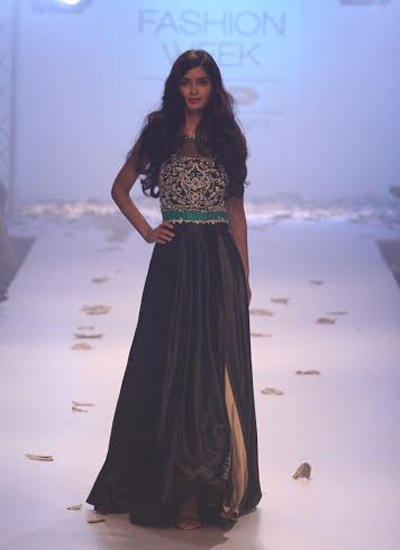 Diana Penty Walks Down The Ramp For Rocky S At LFW Winter/Festive 2014