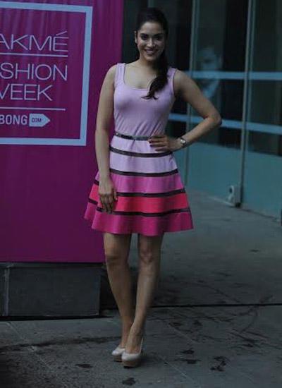 Rashmi Nigam Sexy Look At LFW Winter/Festive 2014 On Day 3