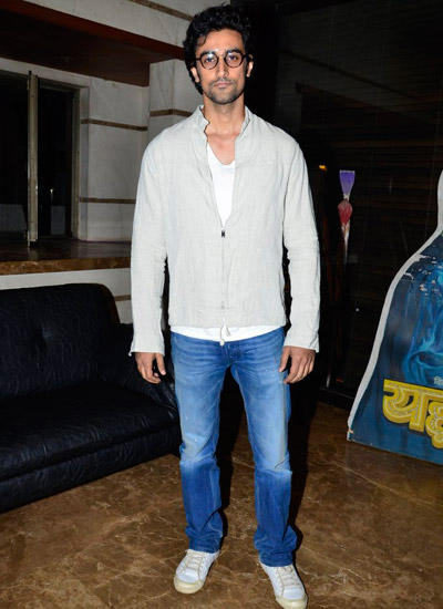 Kunal Kapoor Strikes A Pose During The Exhibition Of Vintage Film Items