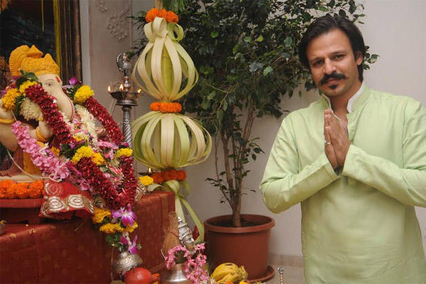 Vivek Oberoi Seeks Blessing To The Lords Ganesh