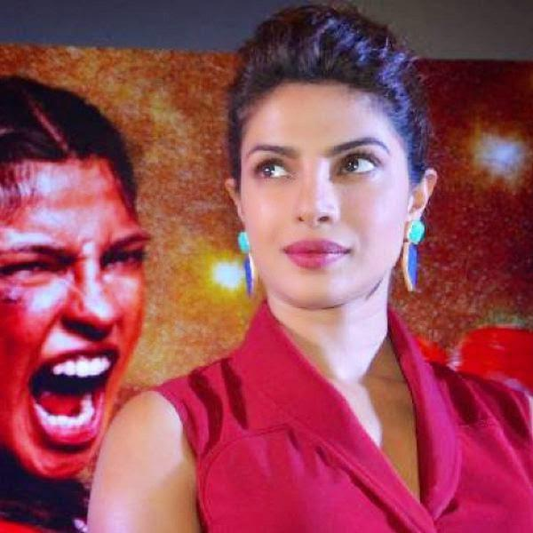 Priyanka Chopra Gorgeous Look With Pink Lips During The Promotion Of Mary Kom In Lucknow